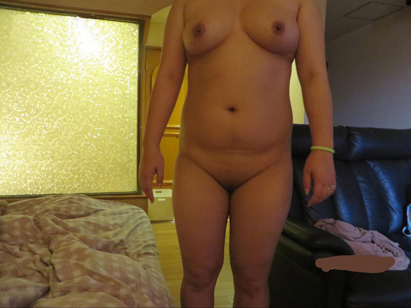 全裸になる援デリ女性